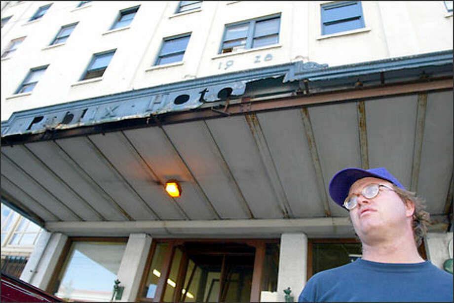 Ray Stonerook, 35, moved Thursday out of the Publix Hotel in Seattle's International District, where he had lived on and off since 1996. Photo: David Bitton/Seattle Post-Intelligencer
