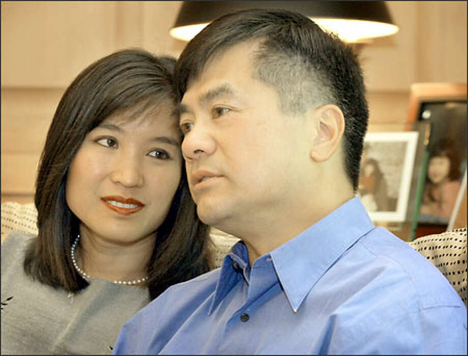 """Gov. Gary Locke and first lady Mona Lee Locke at the Governor's Mansion in Olympia. """"We always said this was going to be about what was best for the family,"""" said Locke. The couple have a 6-year-old daughter and a 4-year-old son. Photo: Gilbert W. Arias/Seattle Post-Intelligencer"""