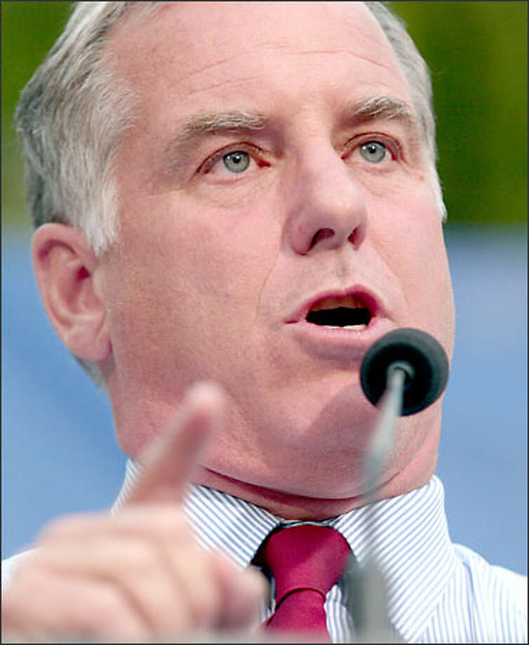 "Howard Dean marveled about the Seattle crowd, saying: ""Biggest crowd I've ever seen. Enormous."" Photo: Joshua Trujillo/Seattle Post-Intelligencer"