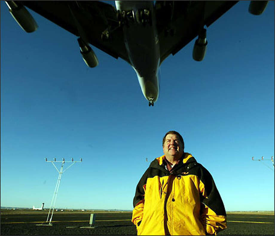 Albert Anderson, Port of Moses Lake industrial development manager, says the huge airport makes the town ideal for an aerospace company. Photo: Grant M. Haller/Seattle Post-Intelligencer
