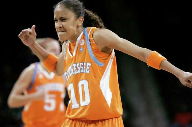 Tennessee's Meighan Simmons (10) reacts after scoring on a basket against South Carolina on Jan. 20. Photo: AP