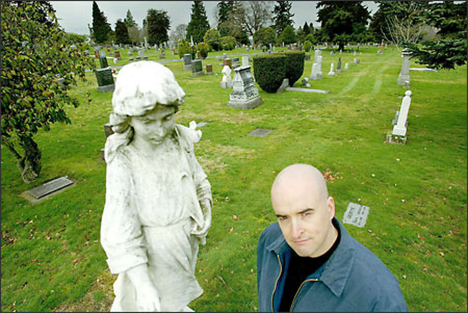 "Seattle juggler and documentary filmmaker Greg Bennick co-wrote and co-produced ""Flight From Death,"" a film that explores how fear of death affects human behavior. Photo: Paul Joseph Brown/Seattle Post-Intelligencer"