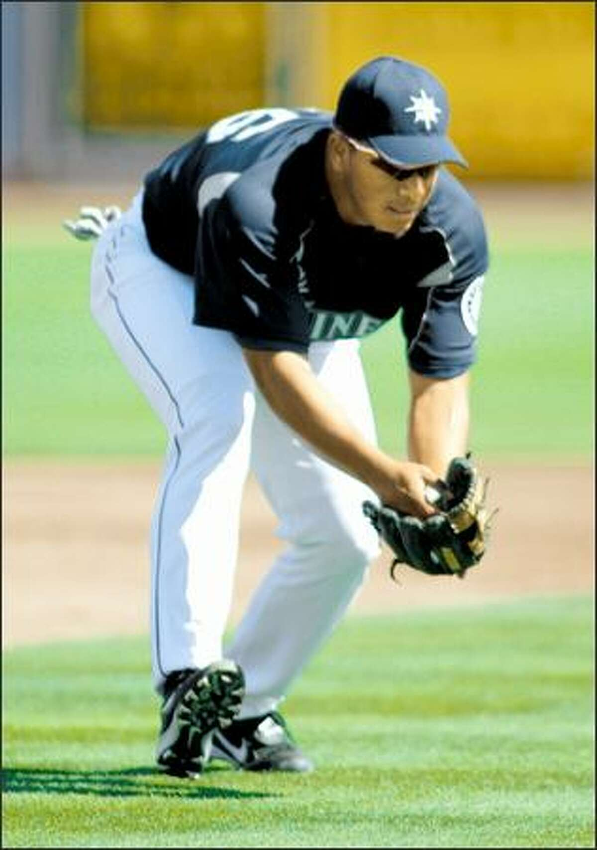 """The Mariners project Jose Lopez as a 20-plus homer player in the major leagues. """"He's got a way to go, obviously, but he reminds me of George Bell at the plate,"""" manager Bob Melvin said, referring to the former Blue Jays star."""
