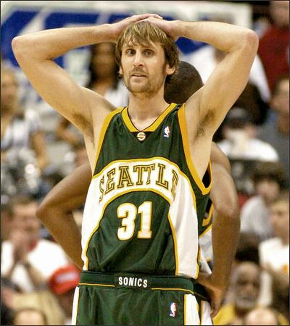Brent Barry scored 12 points, dished out six assists and made two steals.