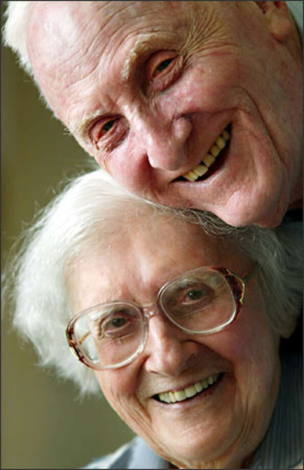 Henry Wiener, 89, is the primary caretaker for his wife, Virginia Wiener, 90, who was diagnosed with Alzheimer's disease four years ago. Photo: Mike Urban/Seattle Post-Intelligencer