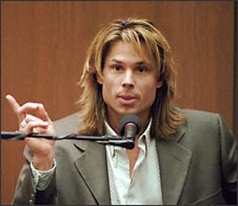 Kato Kaelin is calling and not because he needs a place to stay. He's part of Hollywood is Calling. Photo: AP/1995 / LOS ANGELES DAILY NEWS POOL