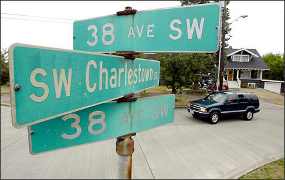 The intersection of Southwest Charlestown Street and two sections of 38th Avenue Southwest show how navigating in Seattle can be a challenge. Photo: Joshua Trujillo/Seattle Post-Intelligencer