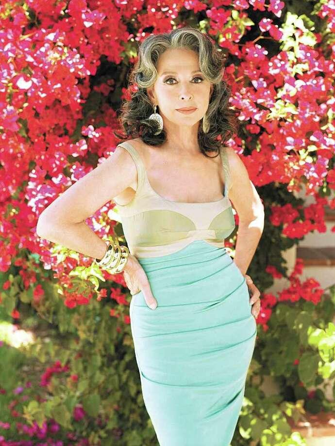 Rita Moreno of the CBS series CANE. Photo: Roberto D'Este/CBS © 2007 CBS Broadcasting Inc. All Rights Reserved Photo: ROBERTO D'ESTE, CBS /  © 2007 CBS Broadcasting Inc. All Rights Reserved