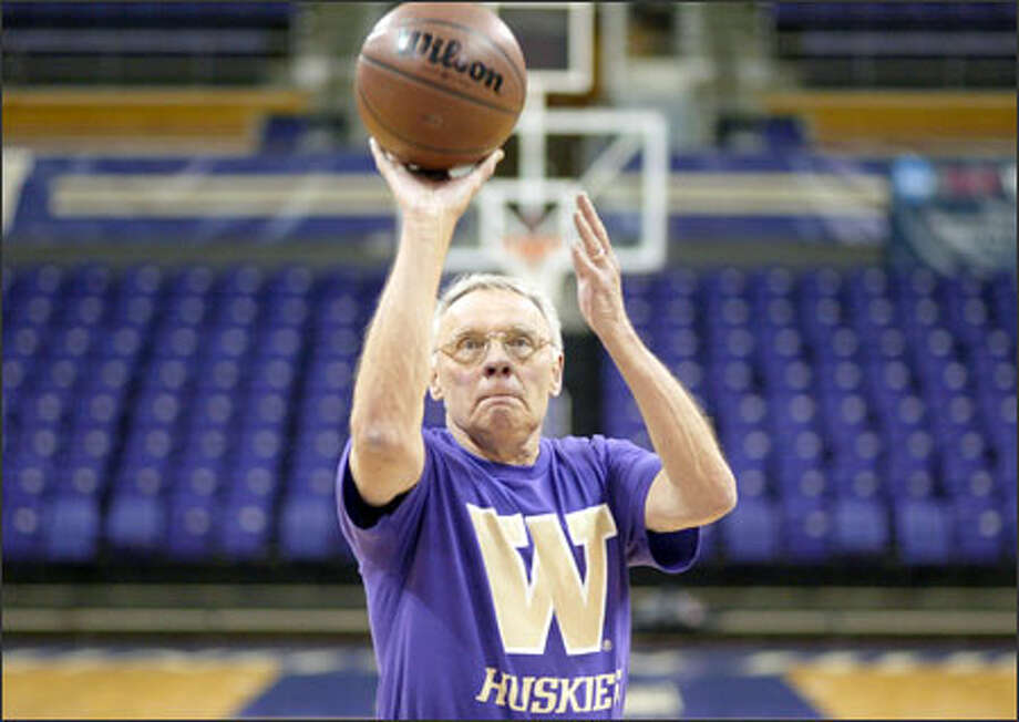 Frank Guisness, 74, is still shooting baskets. He helped the UW reach the NCAA Tournament in 1951. Photo: Dan DeLong/Seattle Post-Intelligencer