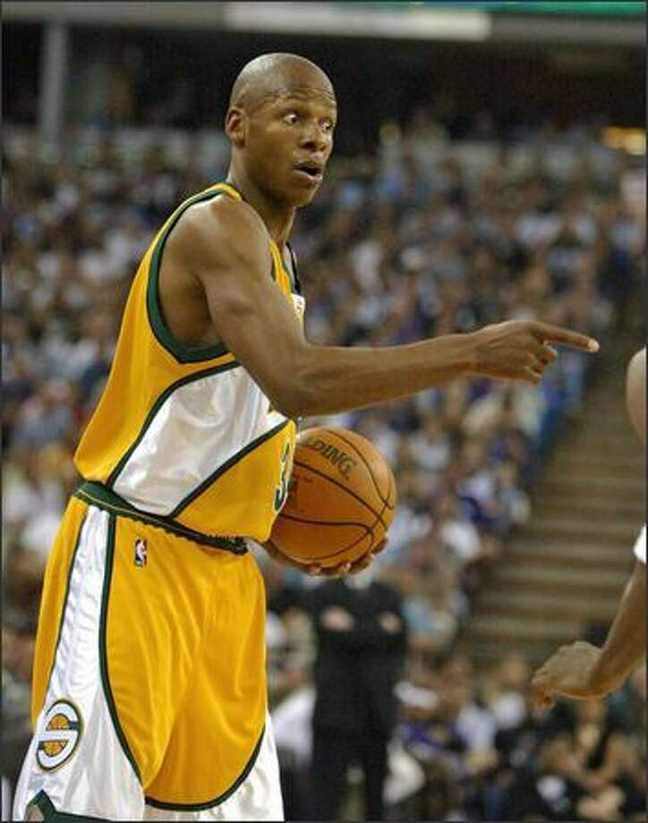 Ray Allen points a finger at Sacramento's Cuttino Mobley in Game 4 of the first-round Western Conference playoff series. Photo: Gilbert W. Arias/Seattle Post-Intelligencer