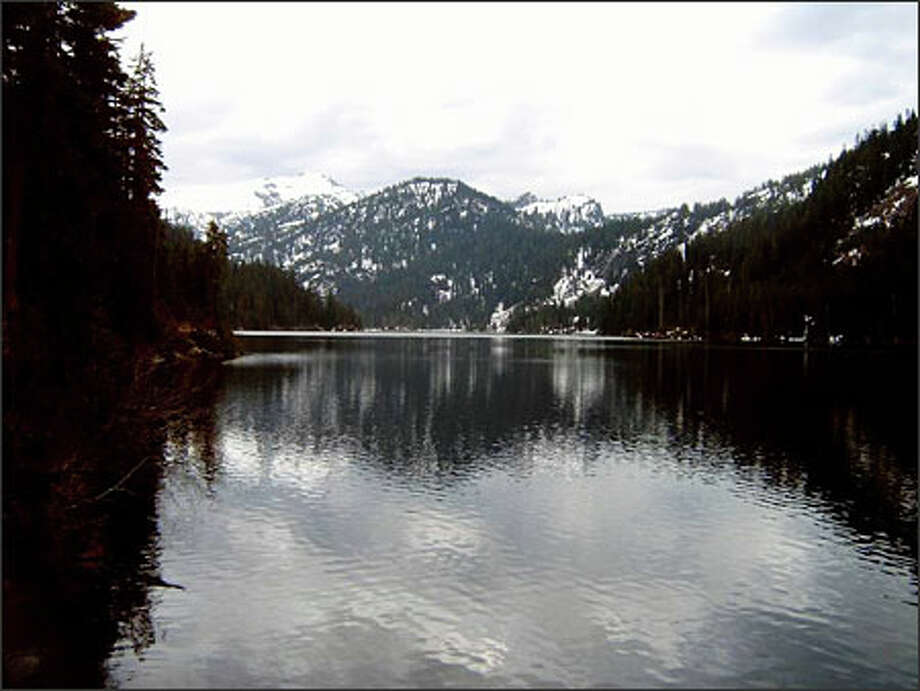 Only 1.5 miles and 800 feet of elevation gain from the trailhead, Lake Dorothy offers a tantalizing hint of a chain of lakes to come in the Alpine Lakes Wilderness. Photo: Jeff Larsen/Seattle Post-Intelligencer