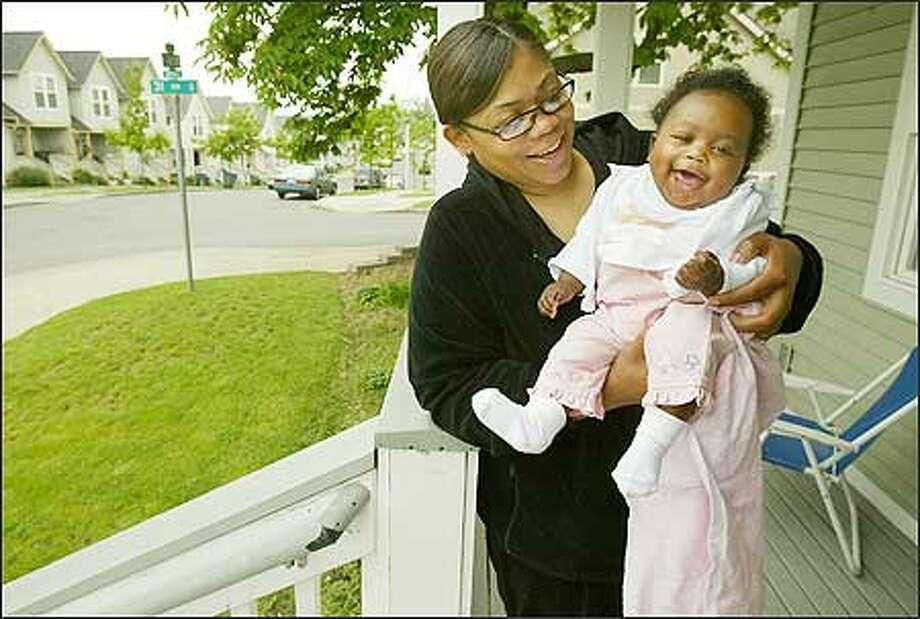 Malaika Brooks was eight months pregnant with her daughter, Taria Jones, when Seattle police used a Taser on her and arrested her for refusing to sign a ticket. Photo: Paul Joseph Brown/Seattle Post-Intelligencer