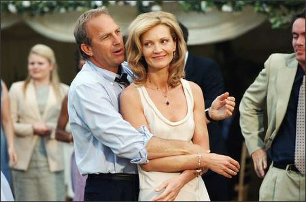 Terry (Joan Allen) develops an offbeat relationship with her next-door neighbor, Denny (Kevin Costner). A once-great baseball star turned radio DJ, Denny becomes a drinking buddy for Terry and slowly evolves into her source of strength.