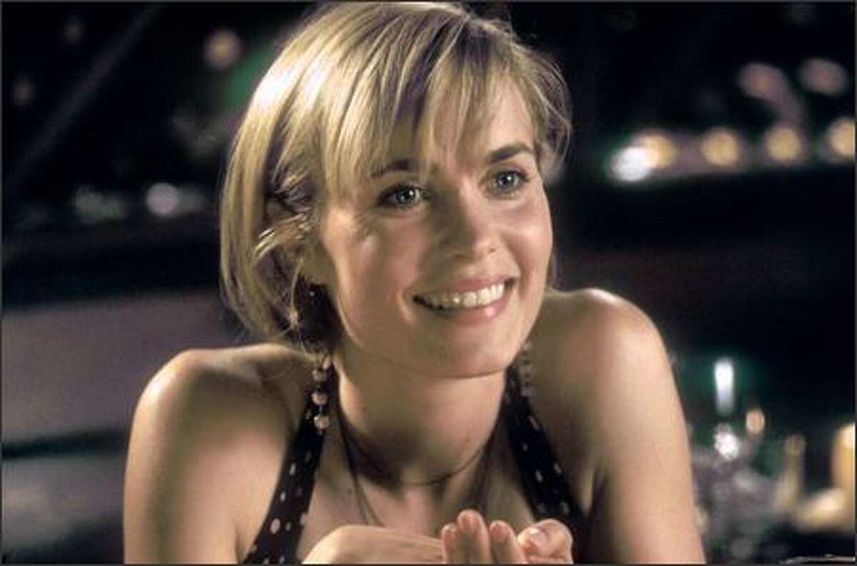 For the central role of Melinda, the filmmakers cast Australian-born actress Radha Mitchell, best known at the time for her performances in