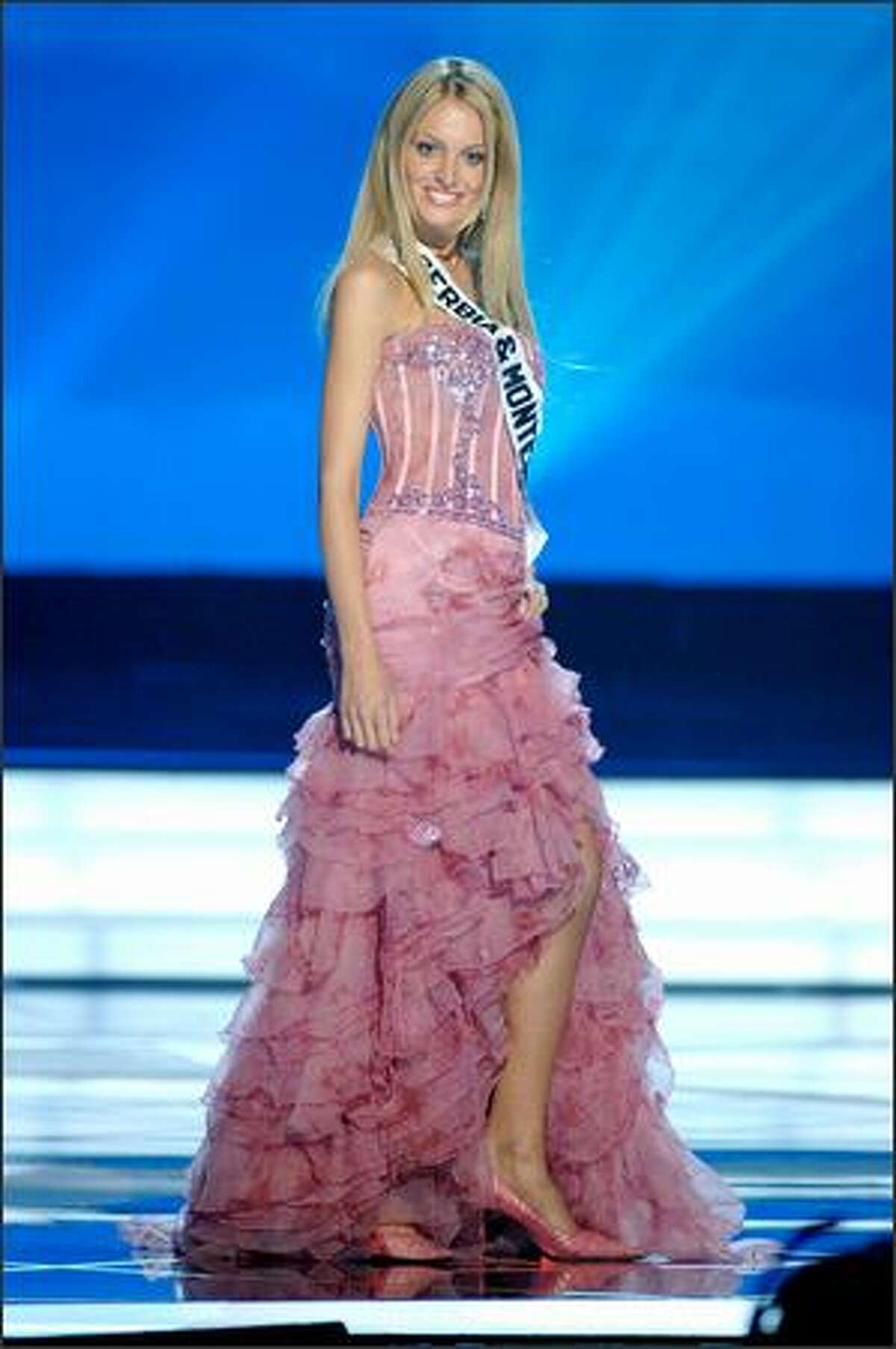 Jelena Mandic, Miss Serbia & Montenegro.