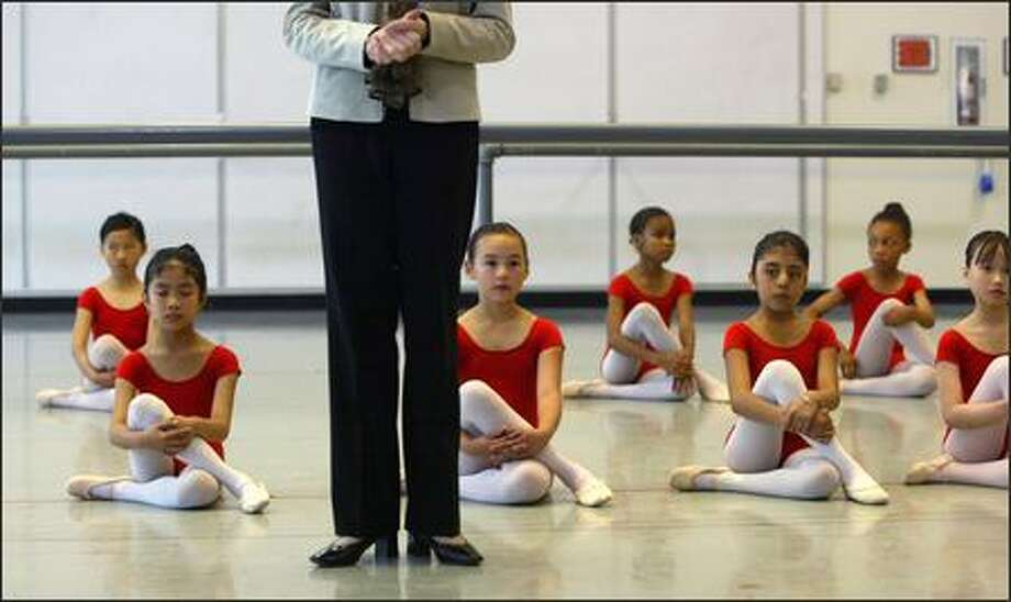 Francia Russell speaks to parents and teachers of Level 1 and 2 classes during a final performance of the Dance Chance program. The program, which she started, aims at discovering talented dancers in the Seattle Public Schools and providing them with an opportunity to pursue a dance career. Photo: Karen Ducey, Seattle Post-Intelligencer