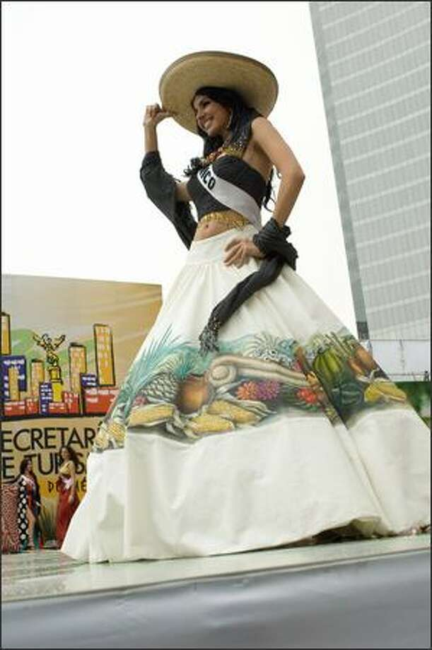 Rosa Maria Ojeda Cuen, Miss Mexico 2007, displays her national costume. Photo: Miss Universe L.P., LLLP
