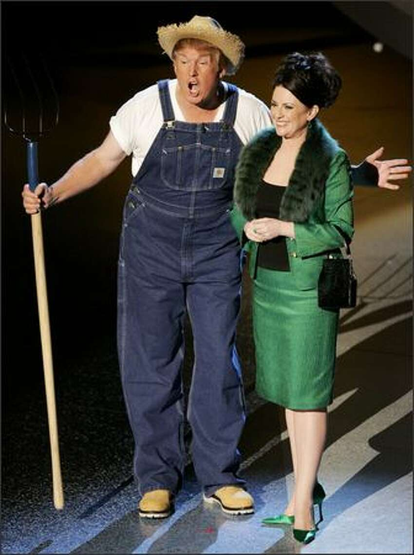 Donald Trump and Megan Mullally sing the theme from