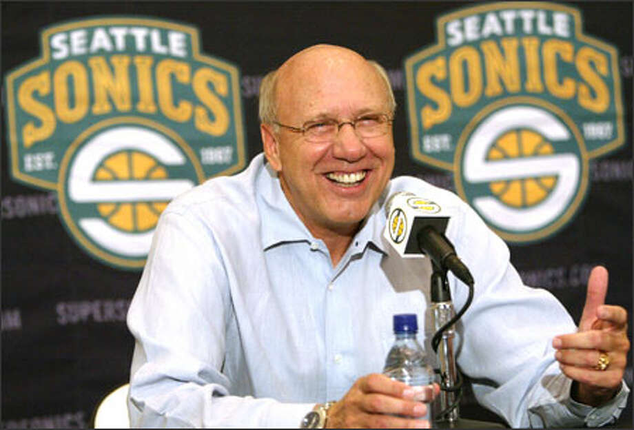Bob Weiss smiles after getting his fourth opportunity to coach an NBA team. He's been on the Sonics bench since the 1994-95 season. Photo: JOSHUA TRUJILLO/P-I / Seattle Post-Intelligencer
