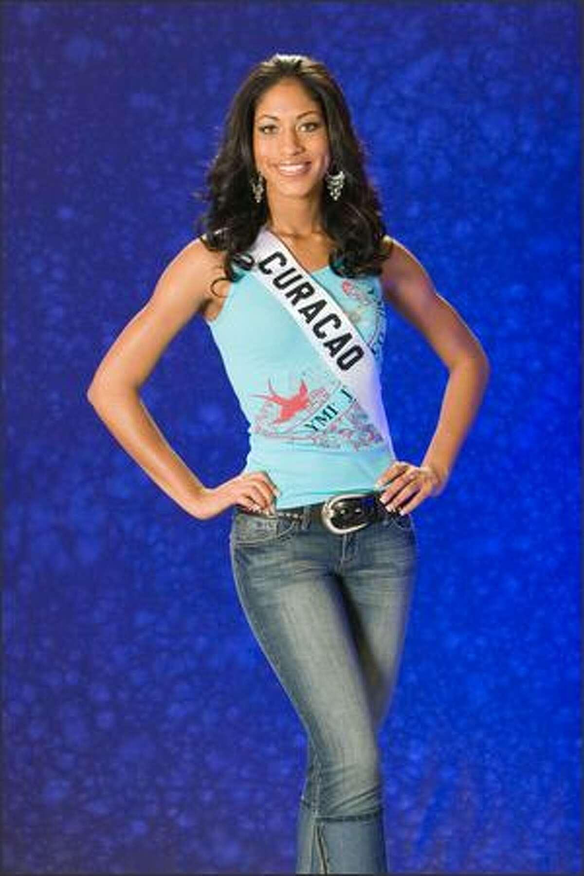 Naemi Elizabeth Monte, Miss Curacao 2007.