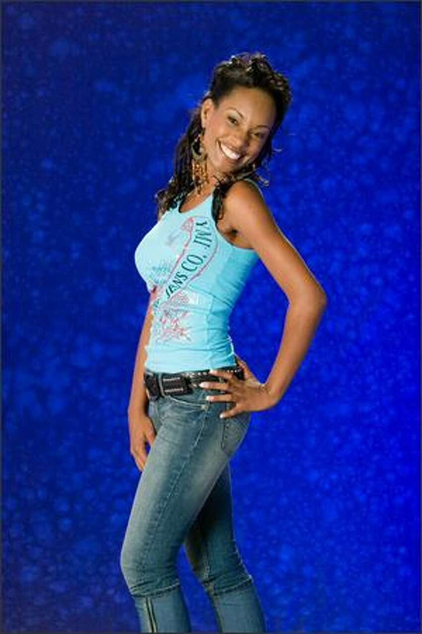Yoanna Henry, Miss St. Lucia 2007.
