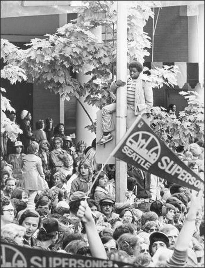 1979: Fans show support for the national champion Seattle SuperSonics. Photo: Seattle Post-Intelligencer