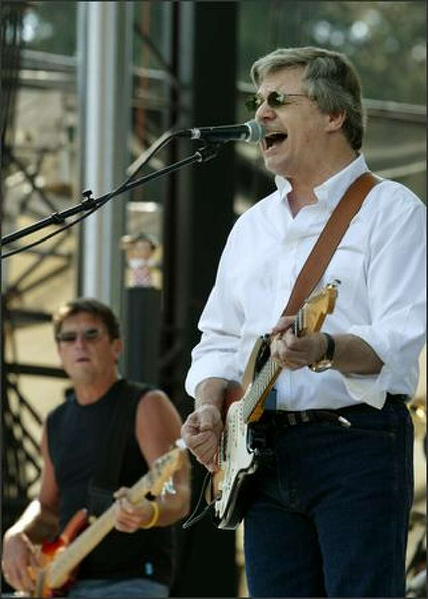 Steve Miller opens his show with