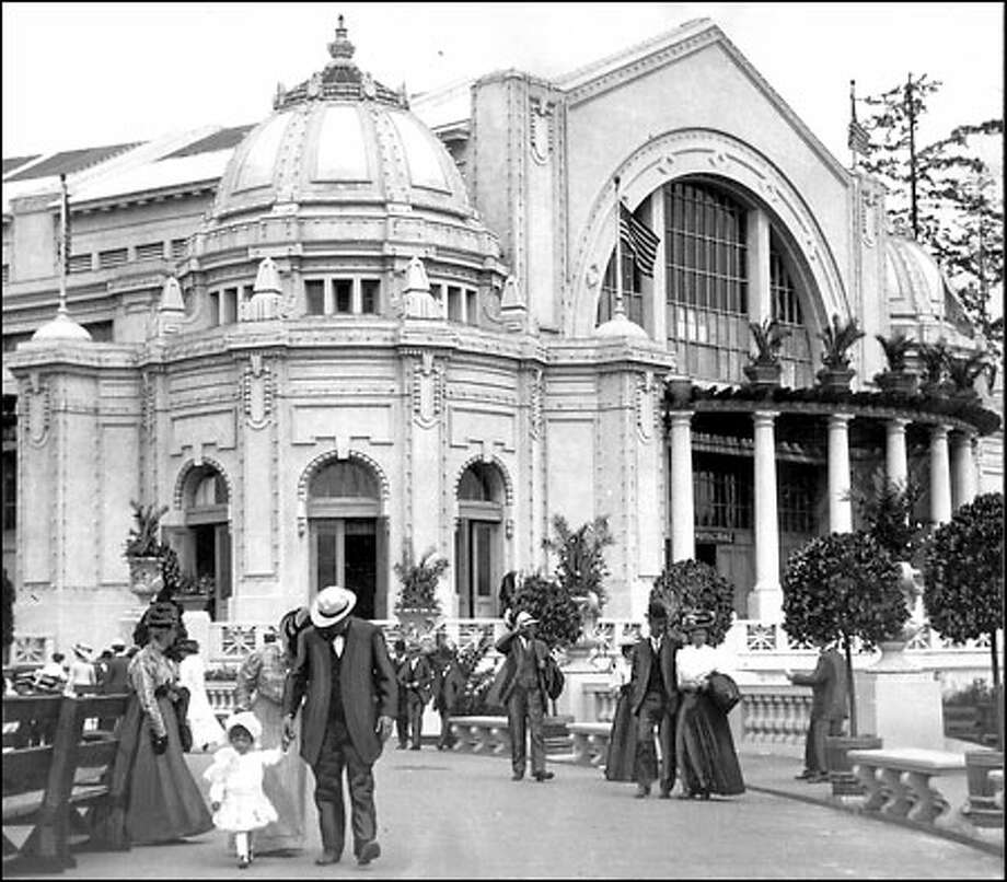 The wonders of Washington, 1909: Elaborate buildings and an elegant midway were built for the Alaska Yukon Pacific Exposition in 1909. The Manufacturers Building, pictured above, was part of Washington Circle, a group of exhibition buildings showing visitors the many wonders of Washington state. The midway featured the highest Ferris wheel in the world. Photo: Seattle Post-Intelligencer