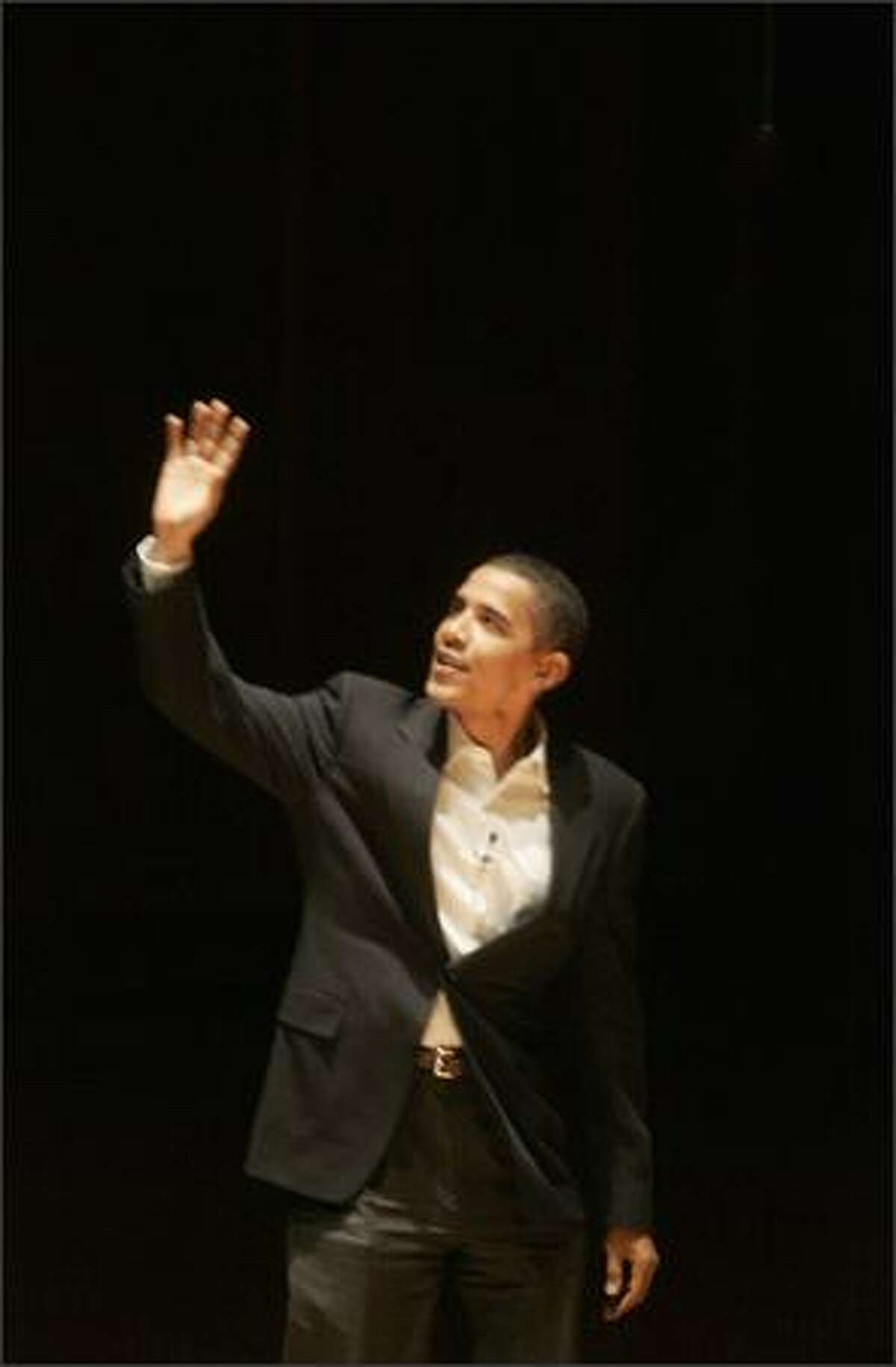 Sen. Barack Obama, D-Ill., makes a stop on his book tour at Benaroya Hall in Seattle. Obama spoke for about 30 minutes on topics covered in his book