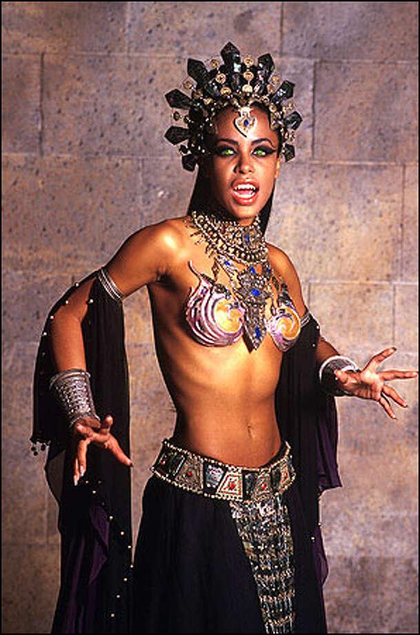 Aaliyah as Akasha Photo: Warner Brothers