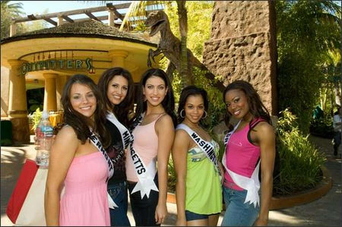 Jessica Comolli, Miss Vermont USA 2007; Alla Ilushka, Miss Minnesota USA 2007; Despina Delios, Miss Massachusetts USA 2007; LeiLani Jones, Miss Washington USA 2007; and Sharitha McKenzie, Miss Oregon USA 2007, poses at Universal Studios.
