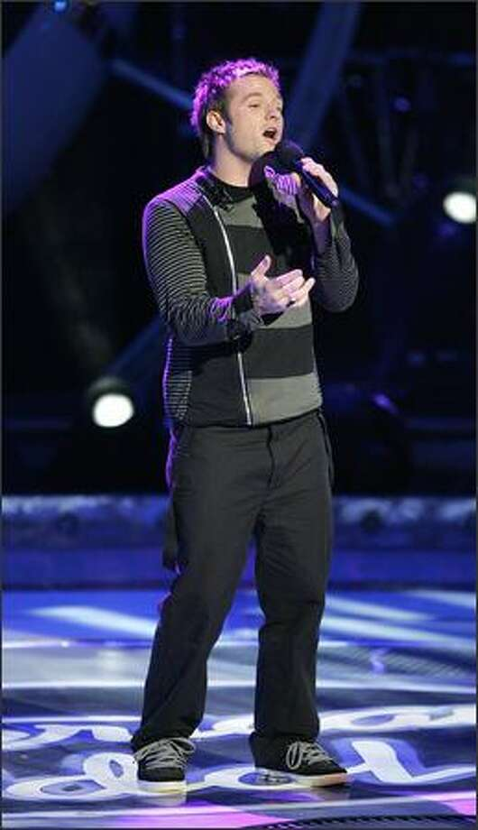 Blake Lewis performs on AMERCIAN IDOL Tuesday. Photo: Fox