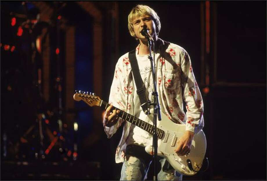 Rock singer Kurt Cobain performs on stage with Nirvana at the MTV Video Music Awards, September 10, 1992. Photo: Getty Images