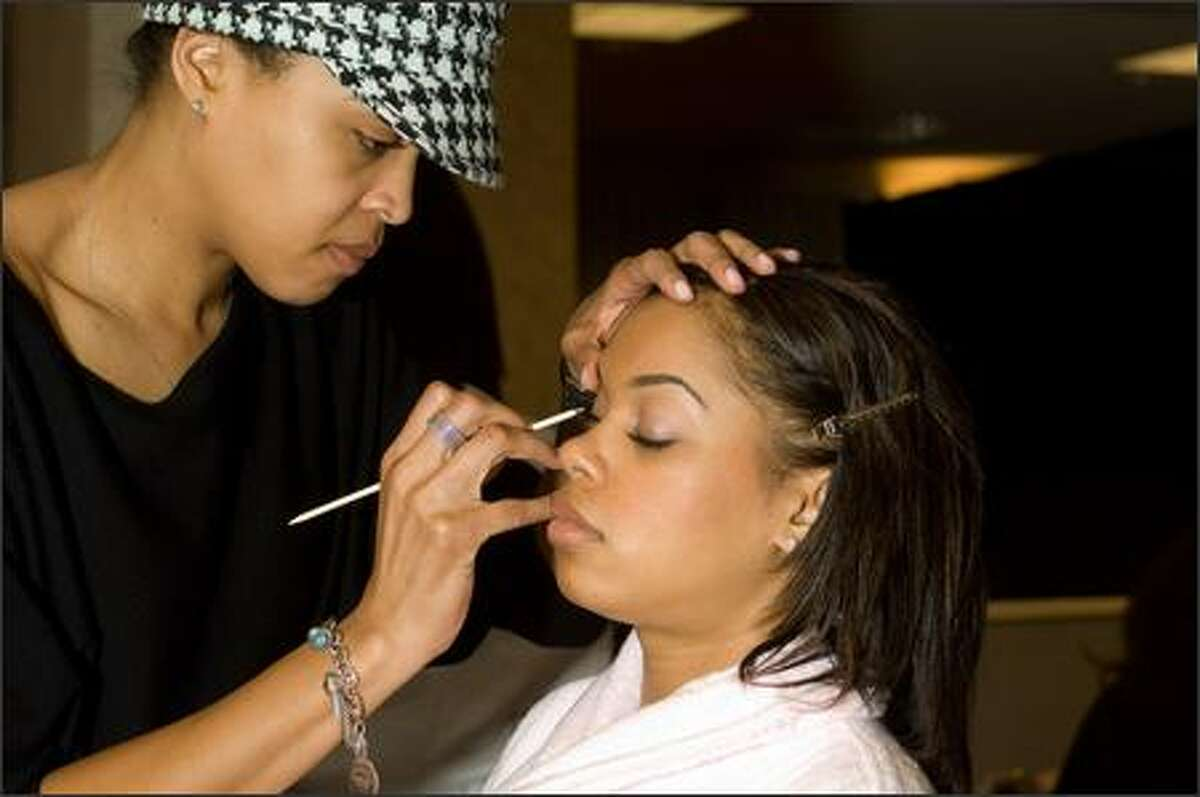 LeiLani Jones, Miss Washington USA 2007, has her makeup done by Shawn Janifer.