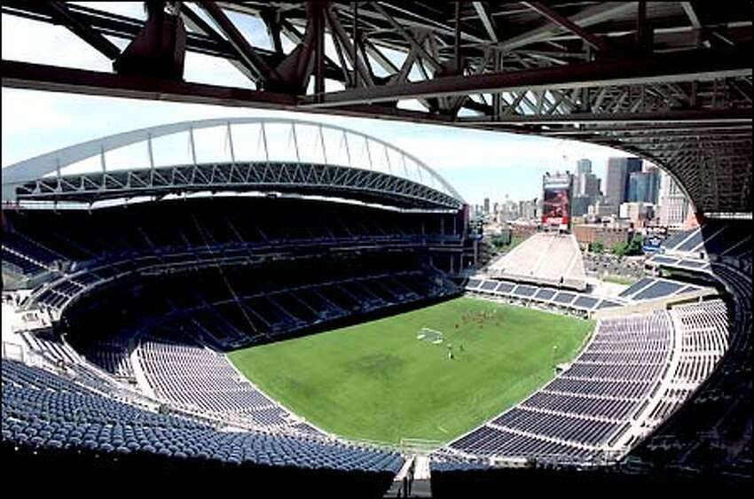 Seahawks Stadium offers plenty of good seats with great views, but the Drill says the real seats for real fans are located in the rising bleacher structure in the north end zone.