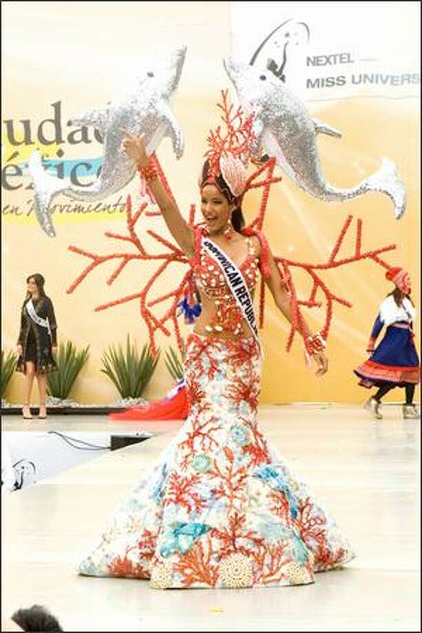 Massiel Taveras, Miss Dominican Republic 2007, participates in the 2007 Miss Universe National Costume Show at the Angel of Independence in Mexico City on May 20. Photo: Miss Universe L.P., LLLP