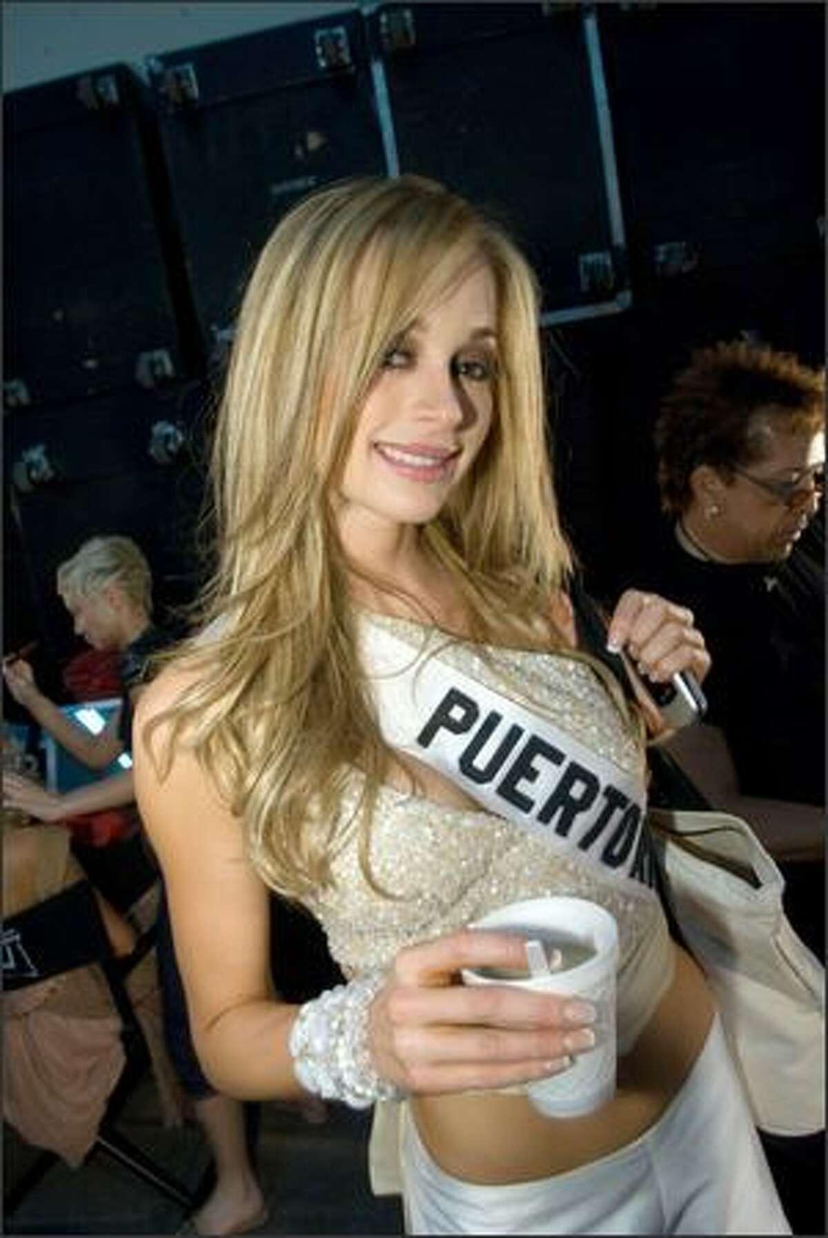 Uma Blasini, Miss Puerto Rico 2007, poses backstage.