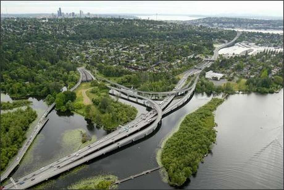 An aerial view of the Highway 520 Interchange in the Washington Park Arboretum. Photo: Joshua Trujillo, Seattlepi.com