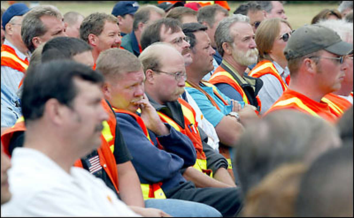 More than 300 persons gathered at the Washington State Department of Transportation maintenance facility in Kent for the memorial service for veteran WSDOT worker Jake Baardson. Baardson, 54, was struck by a car and killed on August 12 while working on Sate Route 18 in Covington
