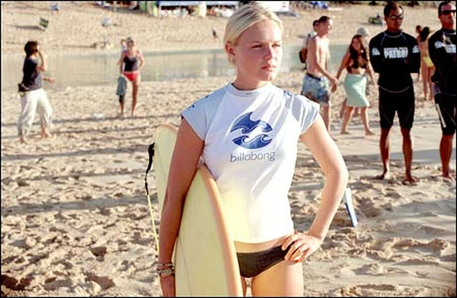Anne Marie (Kate Bosworth) prepares for the Pipe Masters surf competition. Photo: Universal Studios