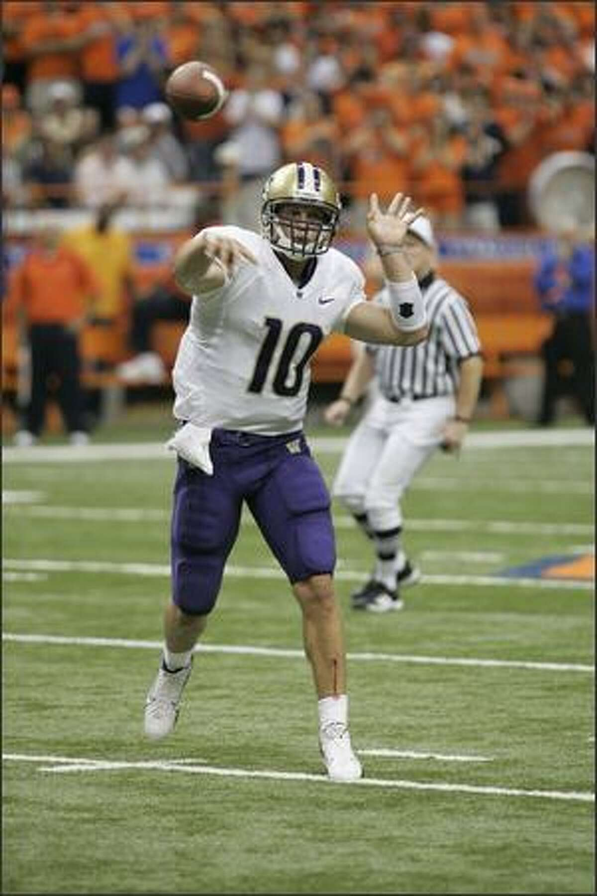 Washington Quarterback Jake Locker at Syracuse on Friday, Aug. 31, 2007, in Geddes, N.Y. (Photo for the Seatle Post-Intelligencer by Michael Okoniewski)