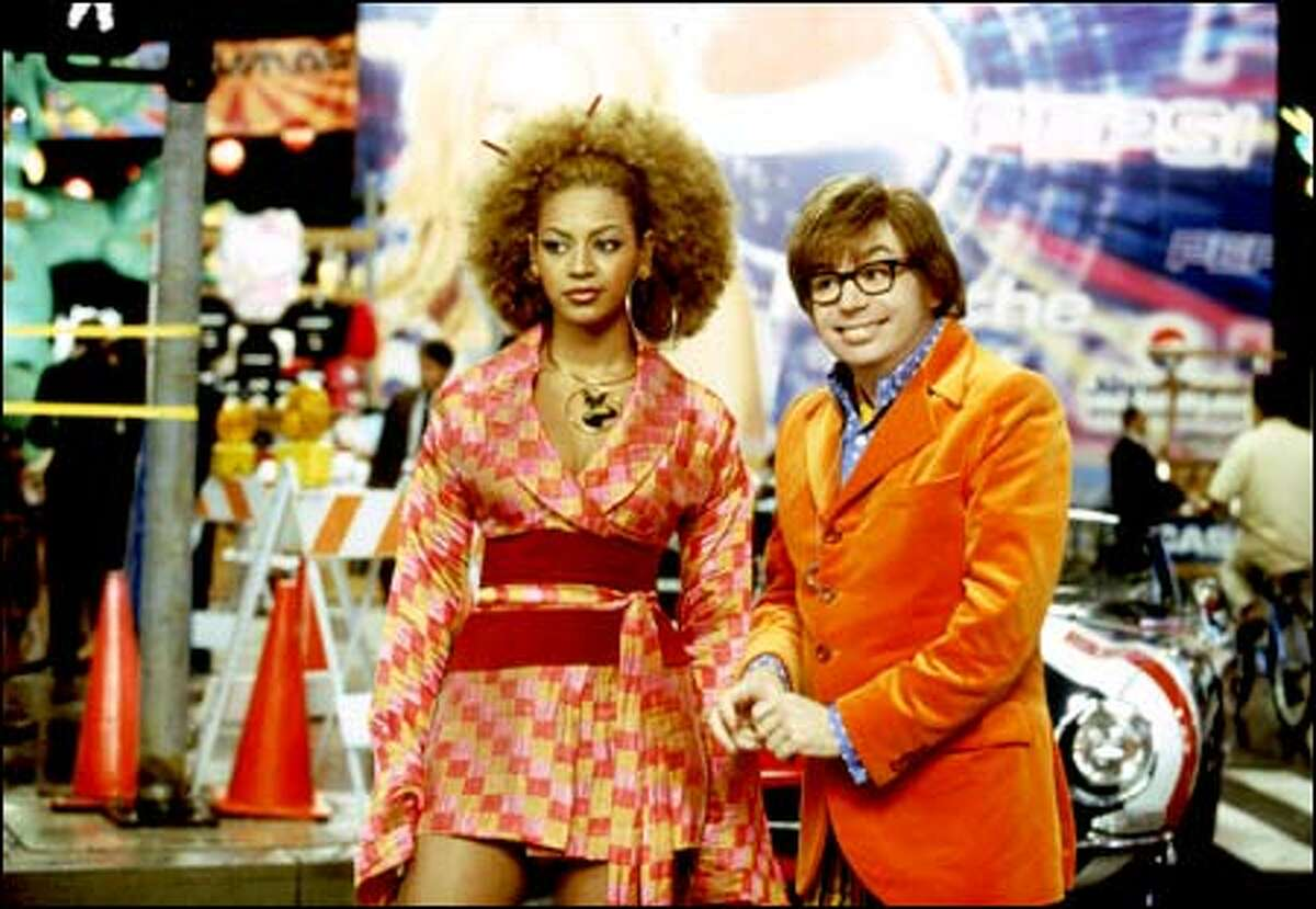 Foxxy Cleopatra (Beyoncé Knowles) and Austin Powers (Mike Myers) are the stars of