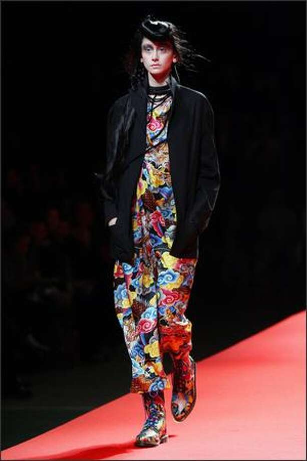 A model presents a creation by Japanese designer Yohji Yamamoto during the Spring/Summer 2008 ready-to-wear collection show in Paris. Photo: Getty Images
