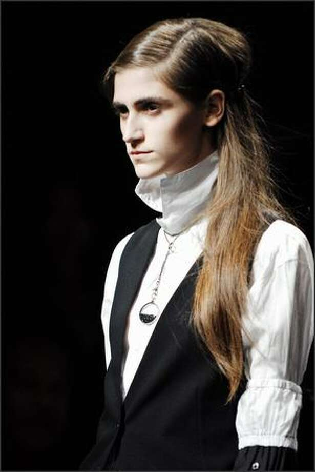 A model presents a creation by Belgian designer Ann Demeulemeester during the Spring/Summer 2008 ready-to-wear collection show in Paris. Photo: Getty Images