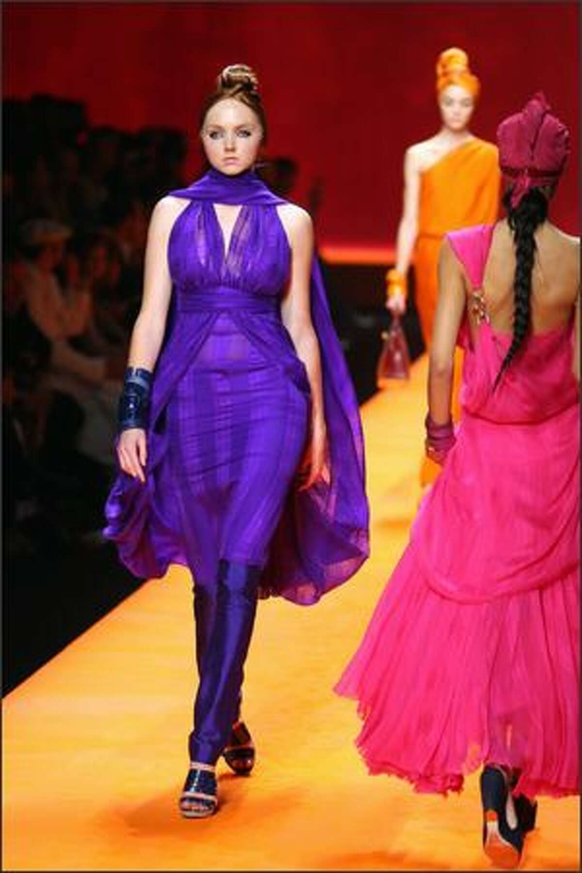 British model Lily Cole presents a creation by French designer Jean Paul Gaultier for Hermes during Spring/Summer 2008 ready-to-wear collection show in Paris, 06 October 2007.