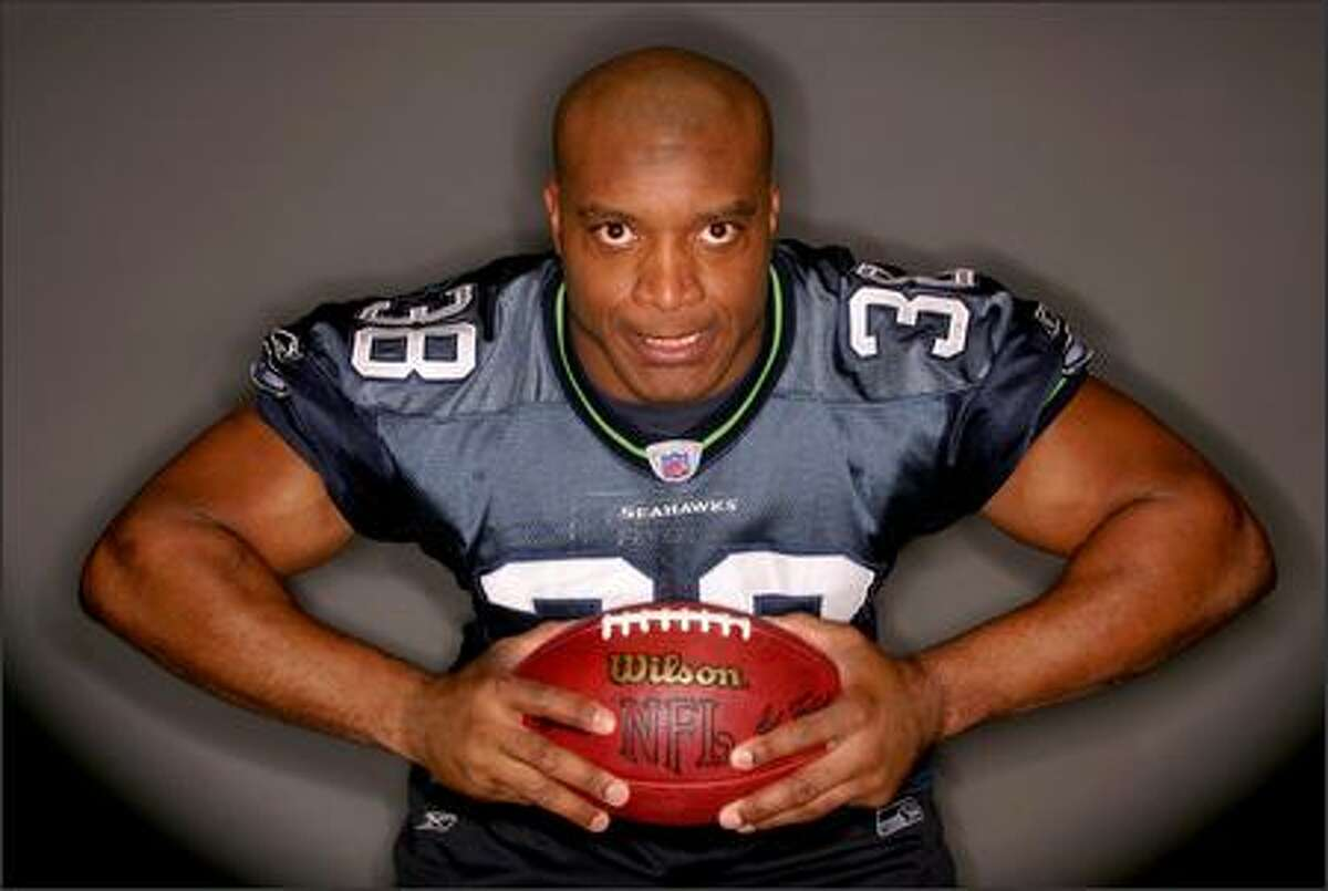 Seattle Seahawks fullback Mack Strong photographed before the teams trip to the Superbowl against the Steelers on Jan. 4, 2006. (Joshua Trujillo/Seattle Post-Intelligencer)