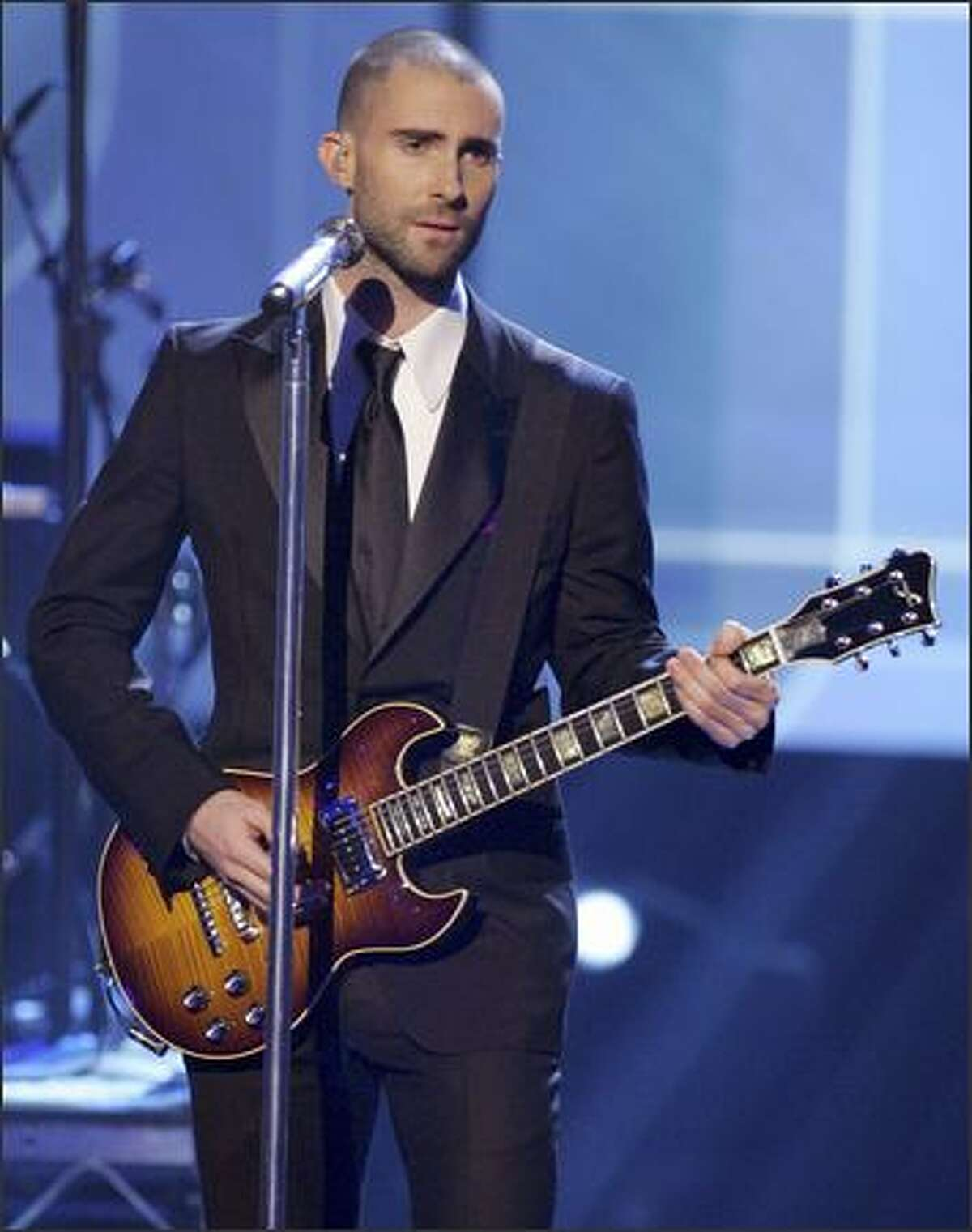 Adam Levine of Maroon 5 perfroms during the 2007 American Music Awards.