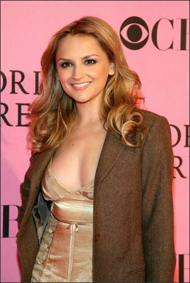 Actress Rachael Leigh Cook arrives at the 2007 Victoria's Secret fashion show held at the Kodak Theatre in Hollywood, Calif. The show will be broadcast Dec. 4 on CBS. Photo: Getty Images