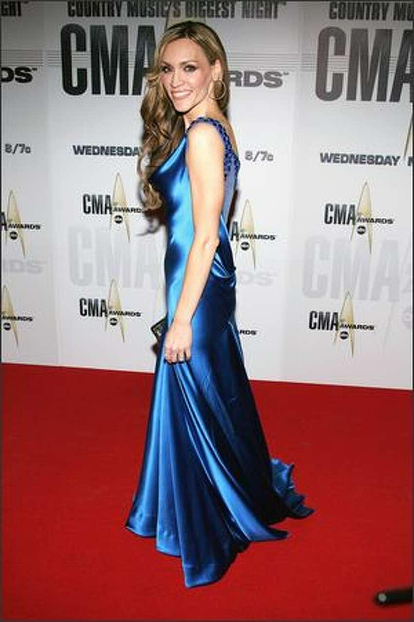 Singer Jennifer Hanson (
