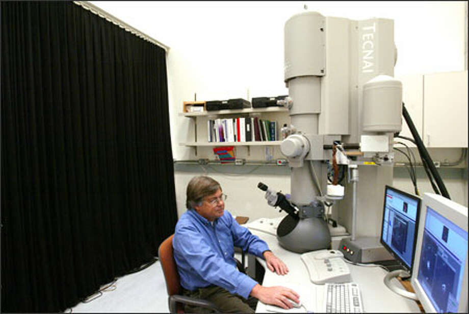 UW astronomer Don Brownlee is awaiting a tiny pinch of precious, 4.5 billion-year-old comet dust. Photo: Paul Joseph Brown/Seattle Post-Intelligencer